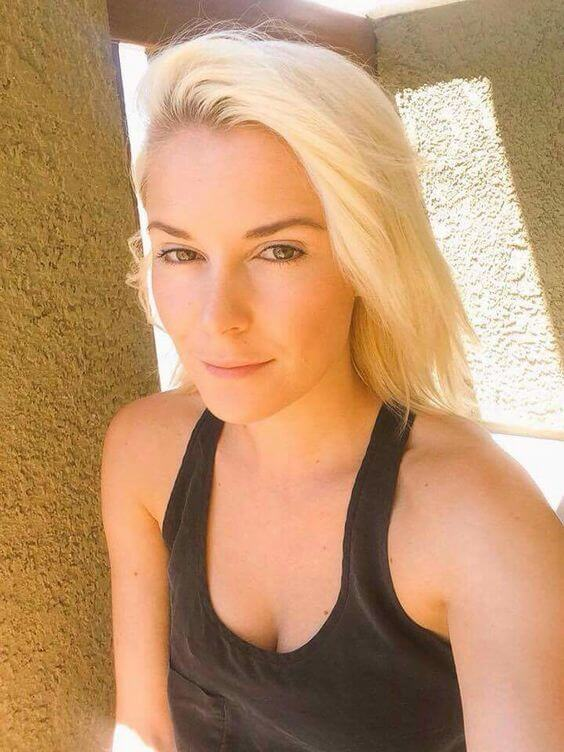 Renee Young hot cleavages photo
