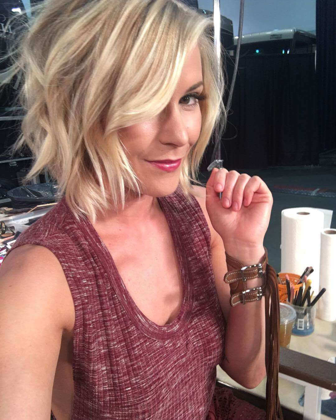 Renee Young sexy cleavages pics