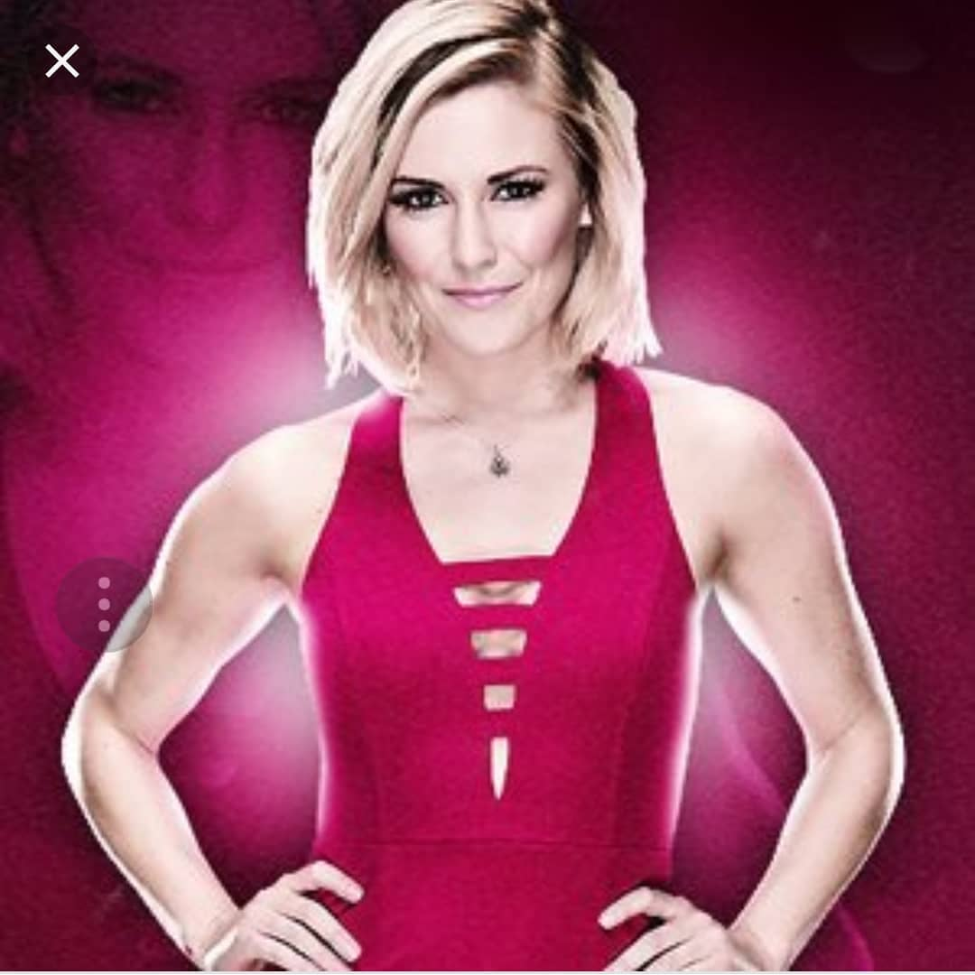 Renee Young sexy cleavages picture
