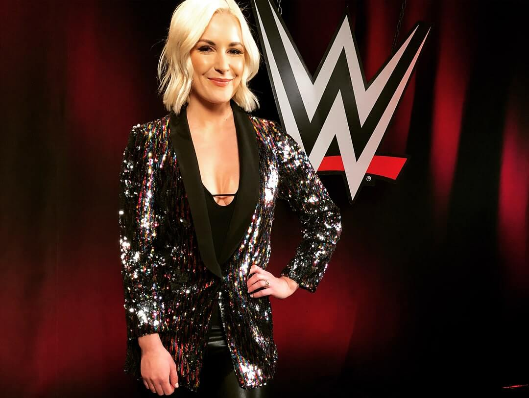 Renee Young sexy cleavages pictures