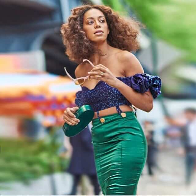 Solange Knowles sexy cleavages