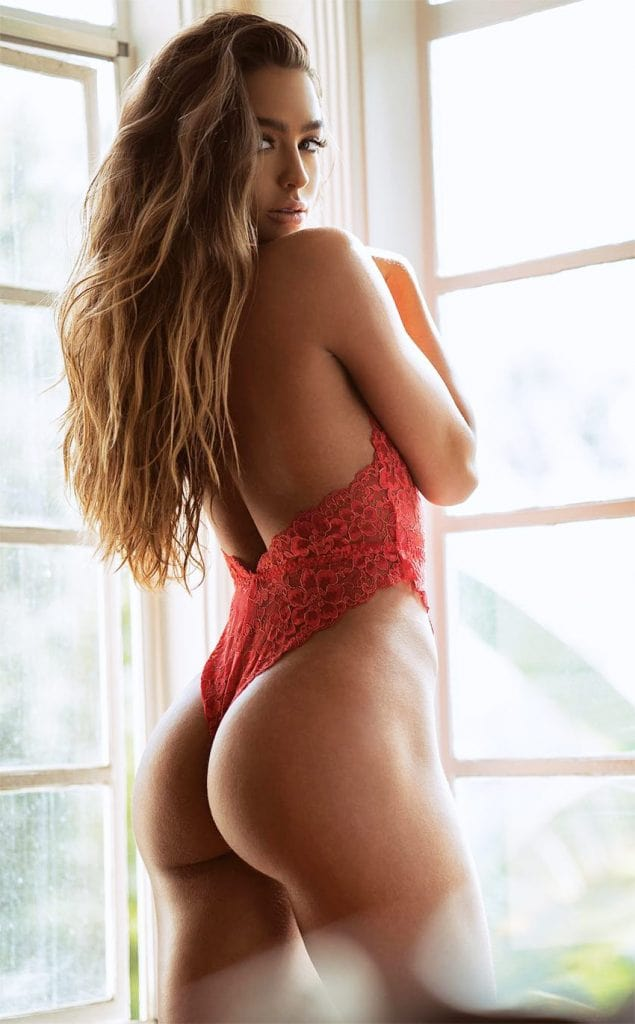 Sommer Ray Sexy Ass