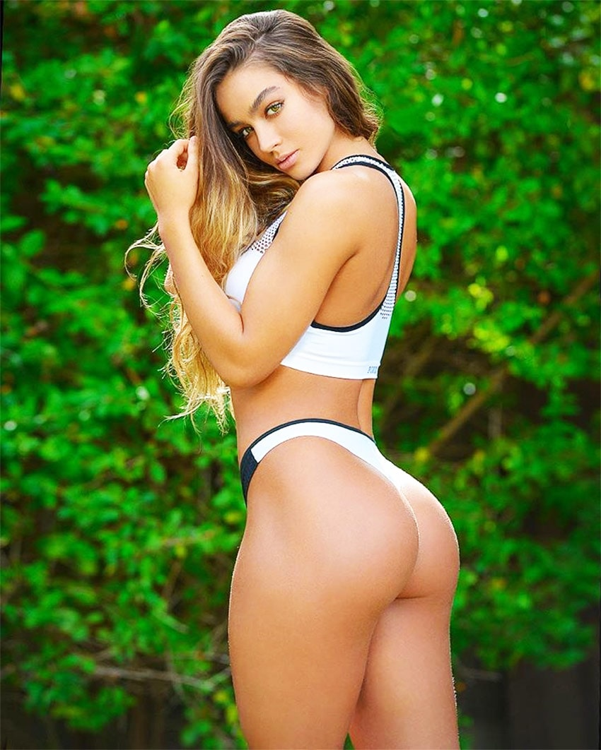 Sommer Ray Sexy Booty