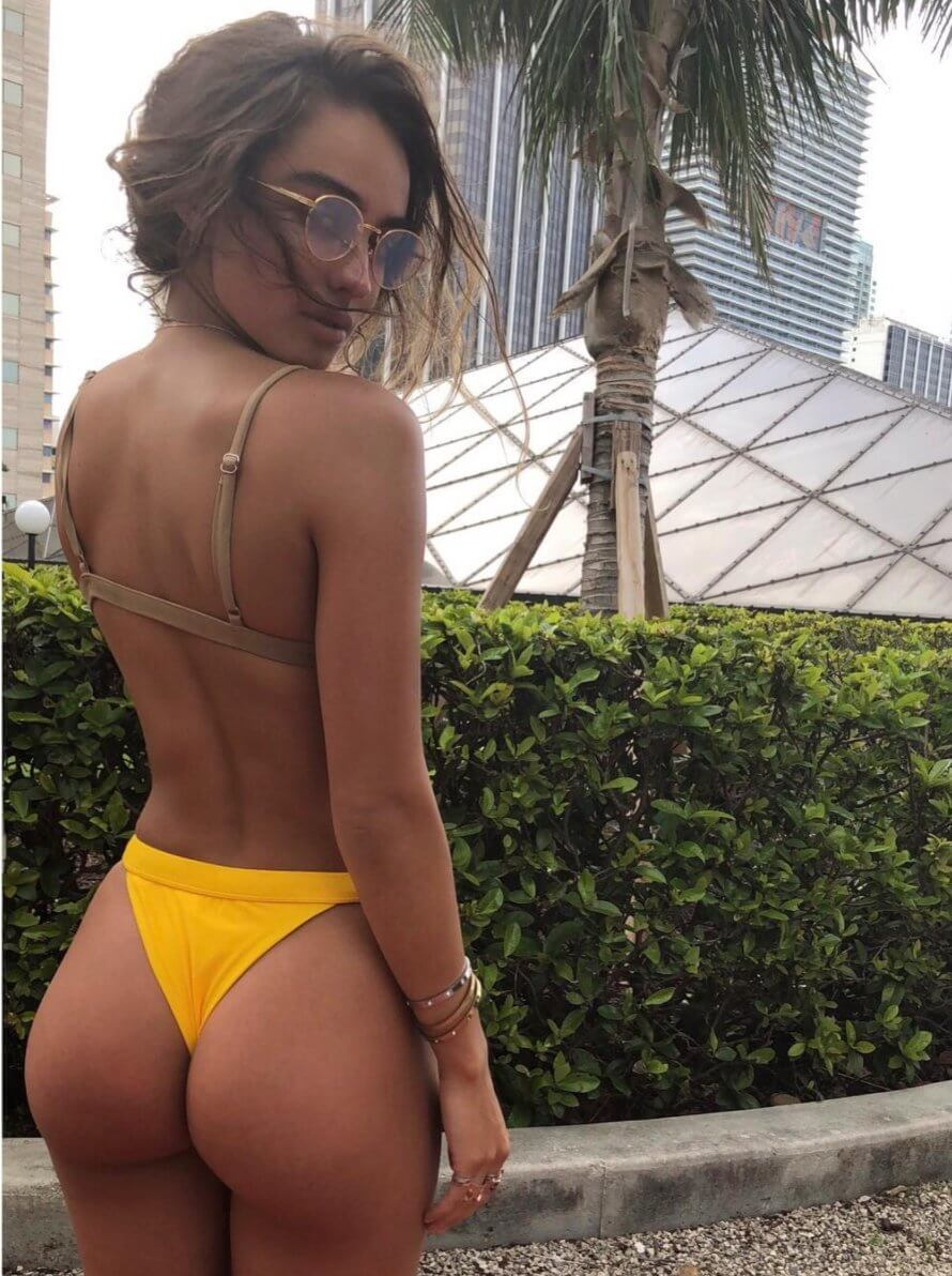 Sommer Ray awesome pic