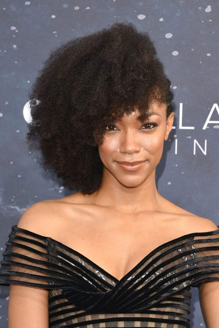 Sonequa Martin Green sexy cleaavges photo