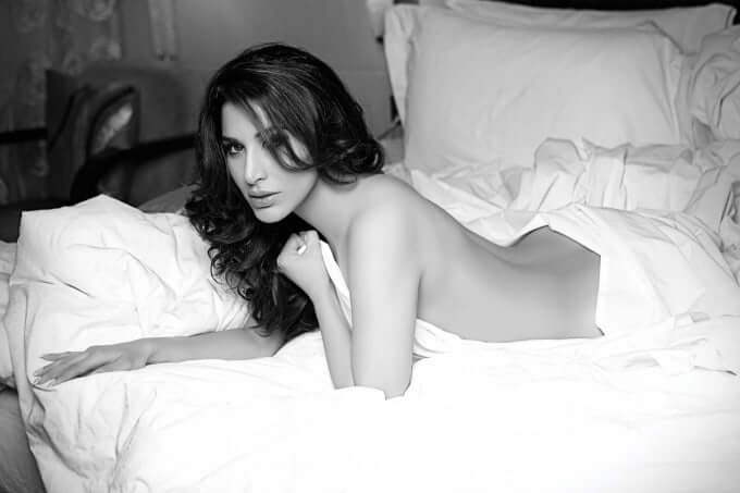 nude-pics-of-sophie-chaudhary