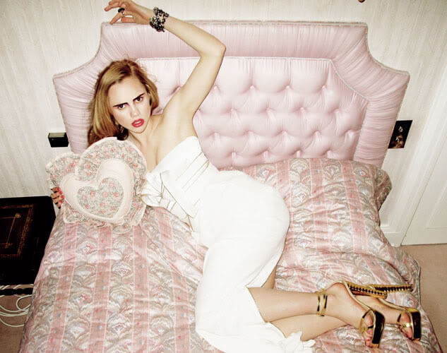 Suki Waterhouse hot pictures