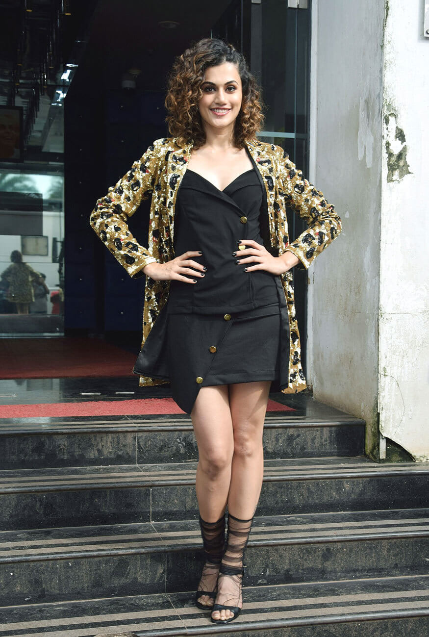 Taapsee Pannu hot legs photo