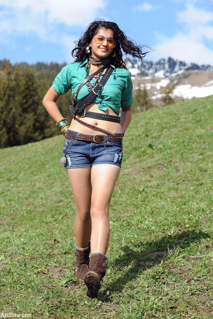 Taapsee Pannu hot thighs (2)