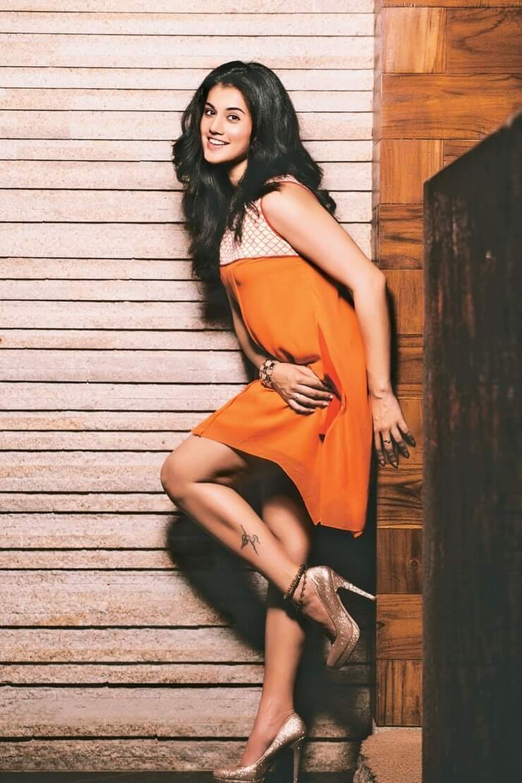 Taapsee Pannu sexy legs