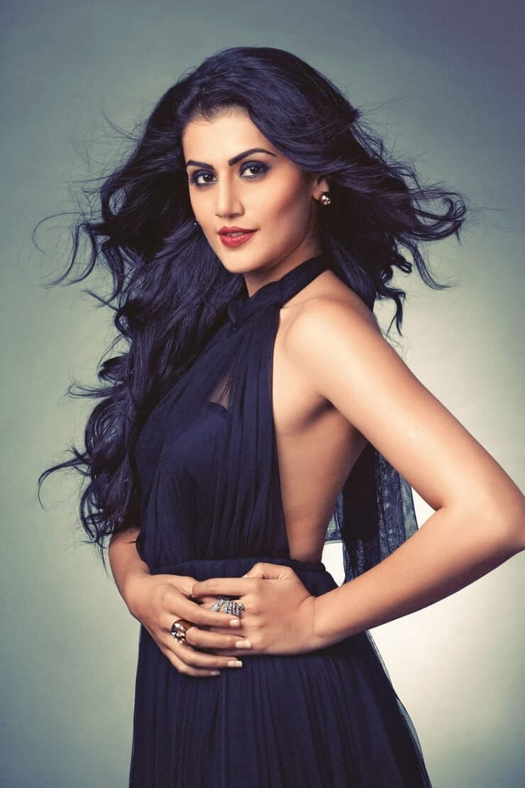 Taapsee Pannu sexy side look