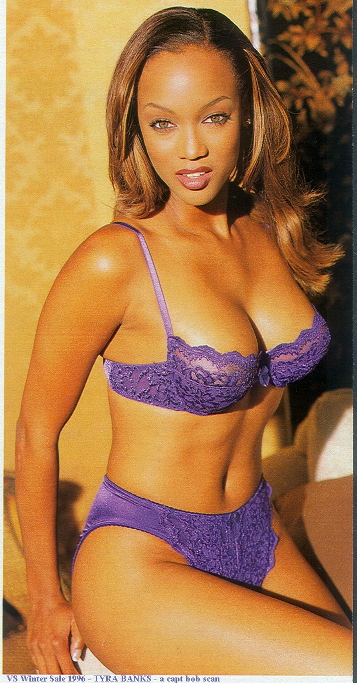 Tyra Banks Hot in Blue Bikini