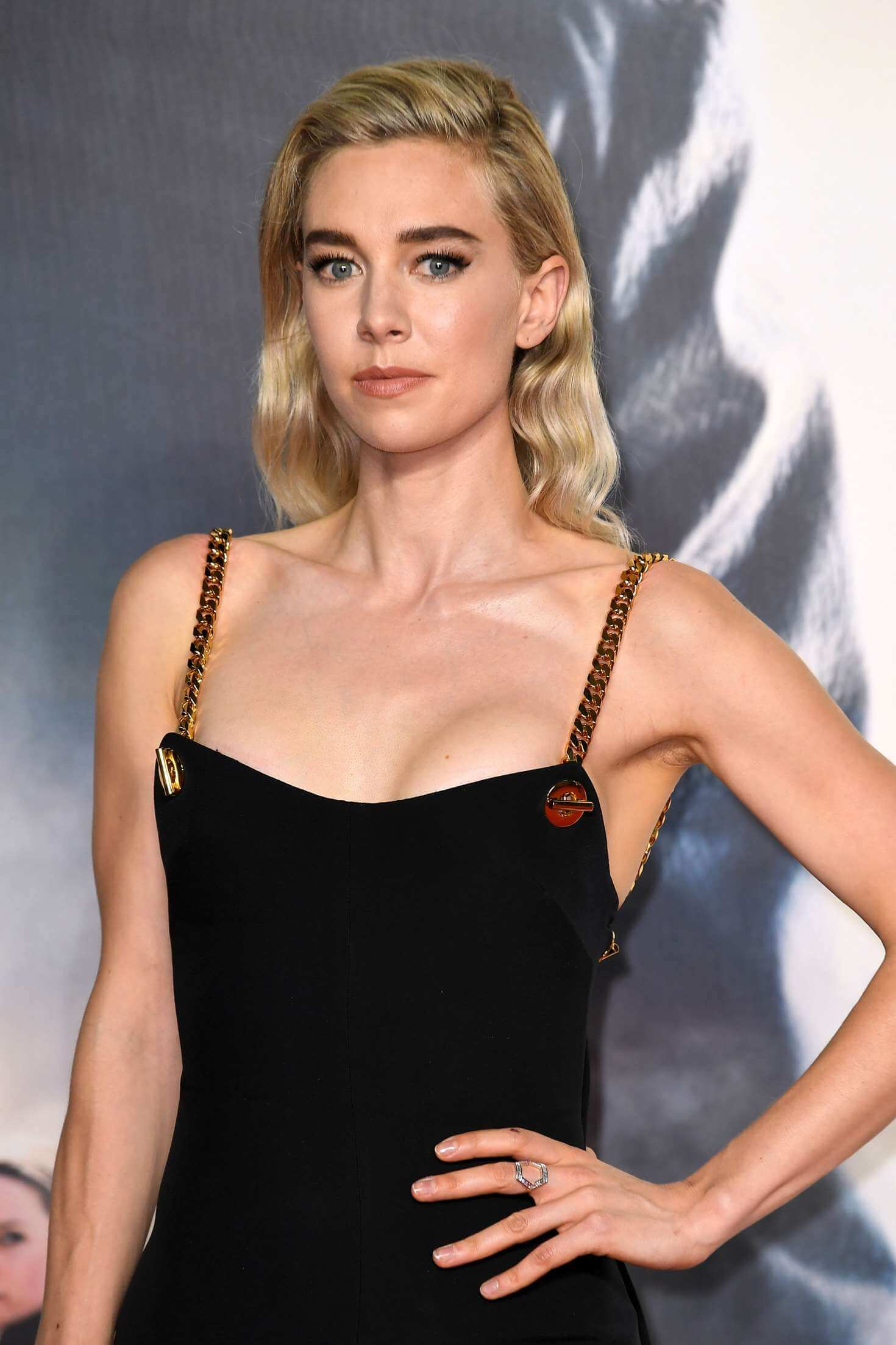 Vanessa Kirby hot biknii picture