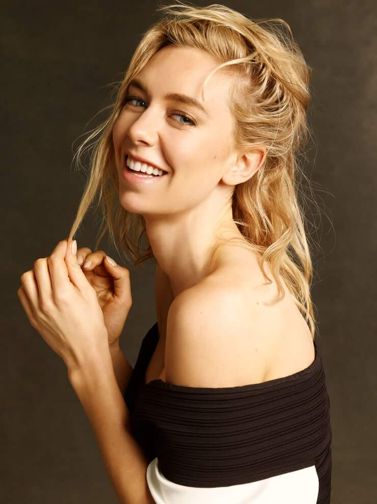 Vanessa Kirby hot side photo