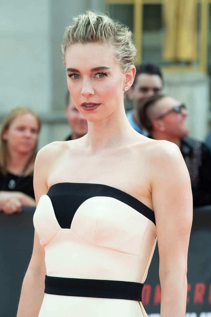 Vanessa Kirby sexy busty pic