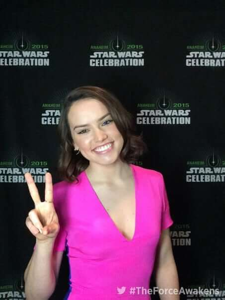 daisy ridley cleavage pics