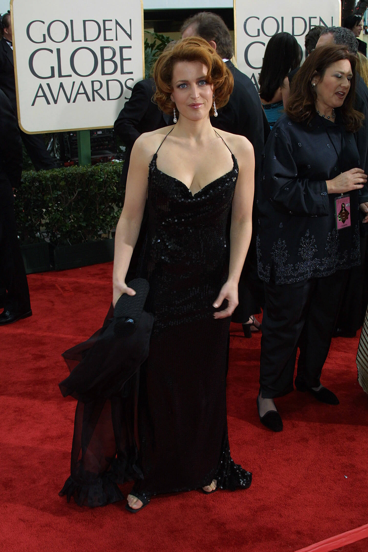 gillian anderson hot cleavage