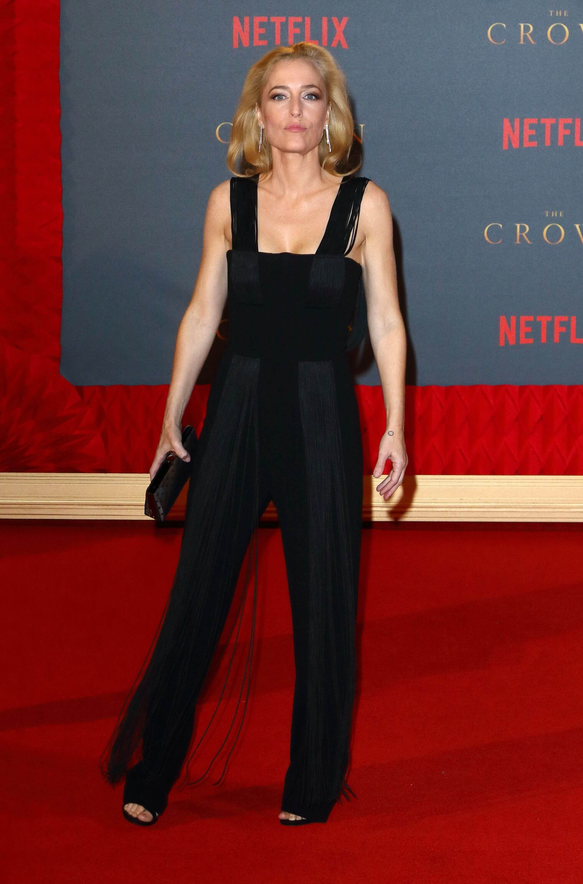 gillian anderson on the red carpet