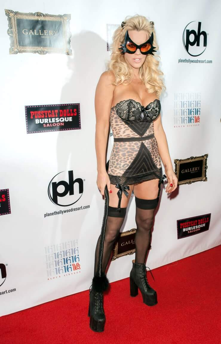 jenny-mccarthy sexy dress