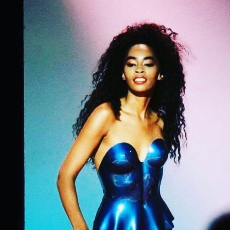jody watley cleavage photo