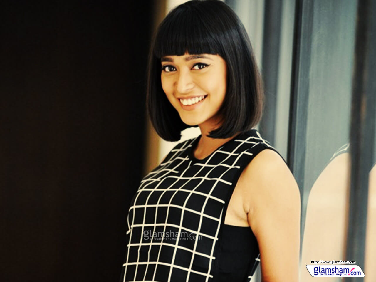 sayani-gupta-wallpaper-01-12x9