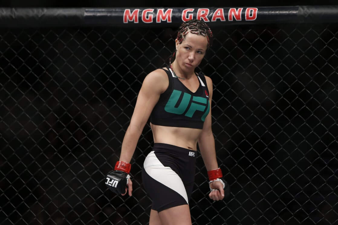 Angela Magana hot look pic
