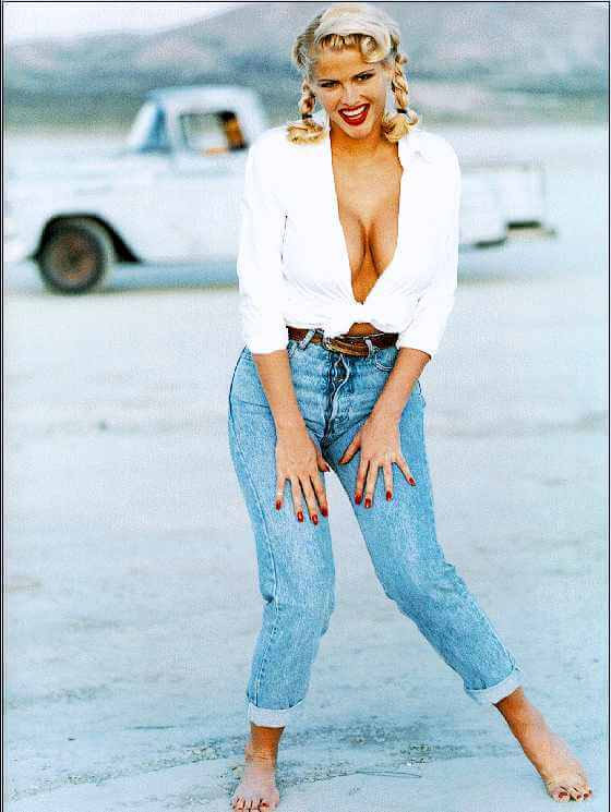 Anna Nicole Smith beautiful photo