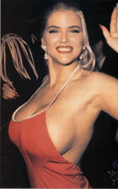 Anna Nicole Smith boob