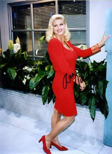 Anna-Nicole-Smith-red-hot