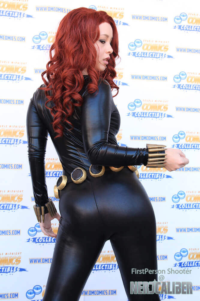 Black Widow sexy ass