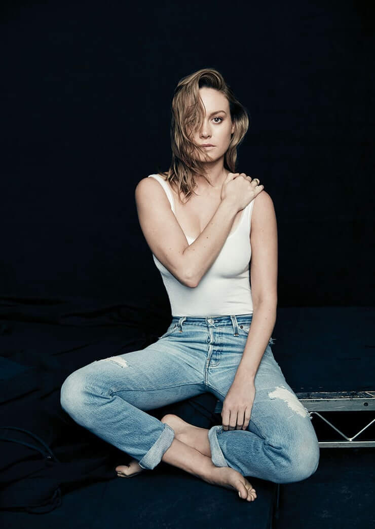 Brie Larson Hot in Jeans