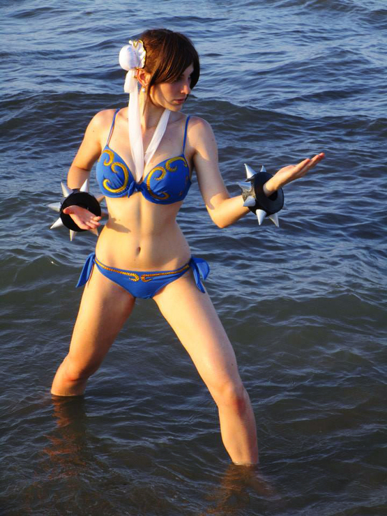 Chun Li on Beach Pics