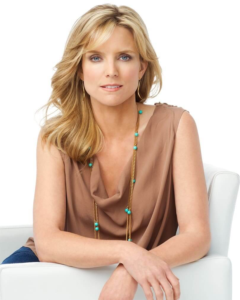 Courtney Thorne-Smith sexy cleavages pics
