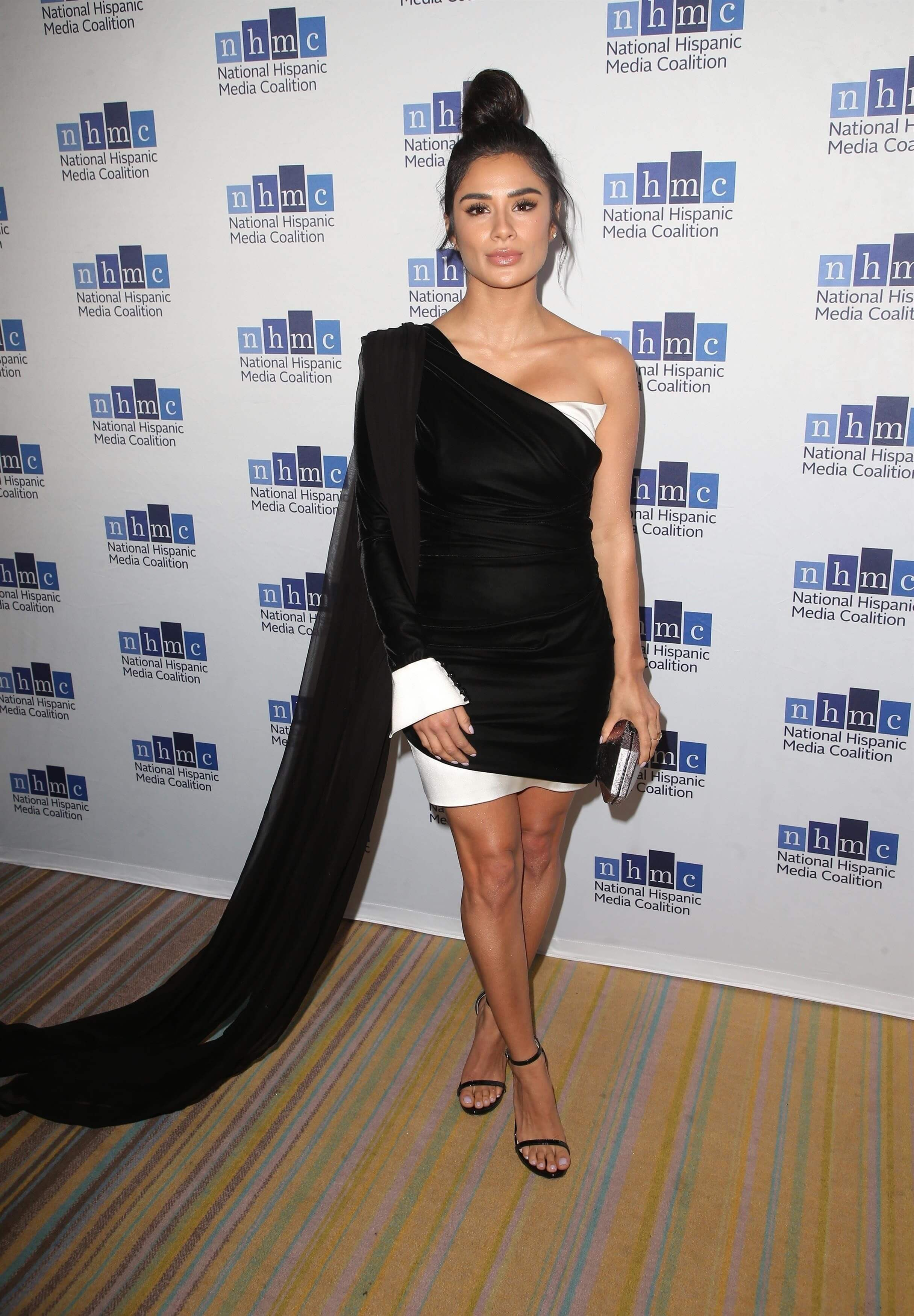 49 Sexy Diane Guerrero Boobs Pictures Will Bring A Big Smile On Your Face-9455