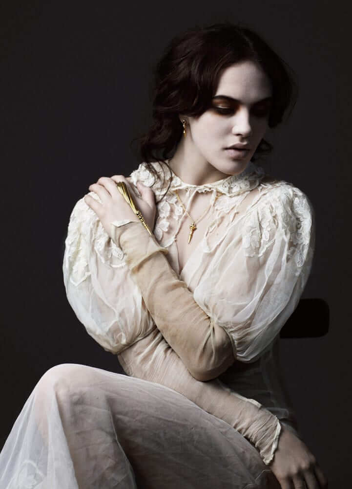 Jessica Brown Findlay hot photo (2)
