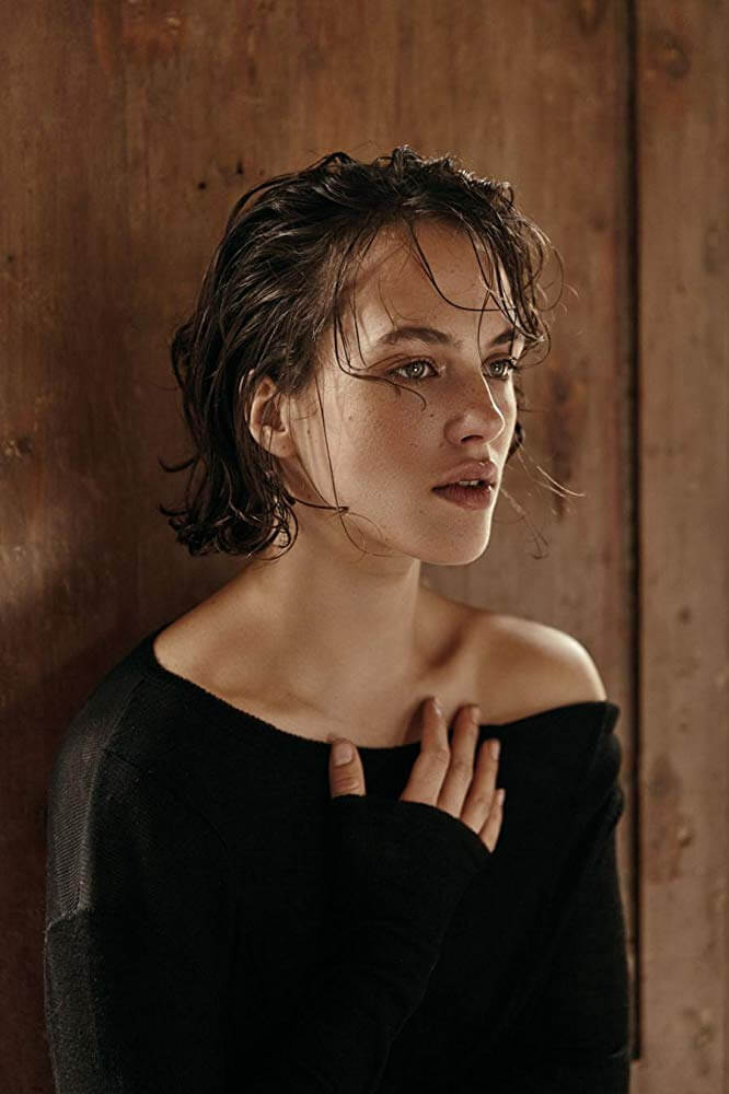 Jessica Brown Findlay hot pics (3)