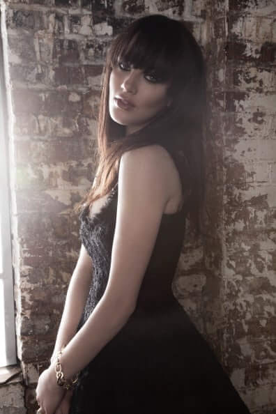 Jessica Brown Findlay hot side pictures