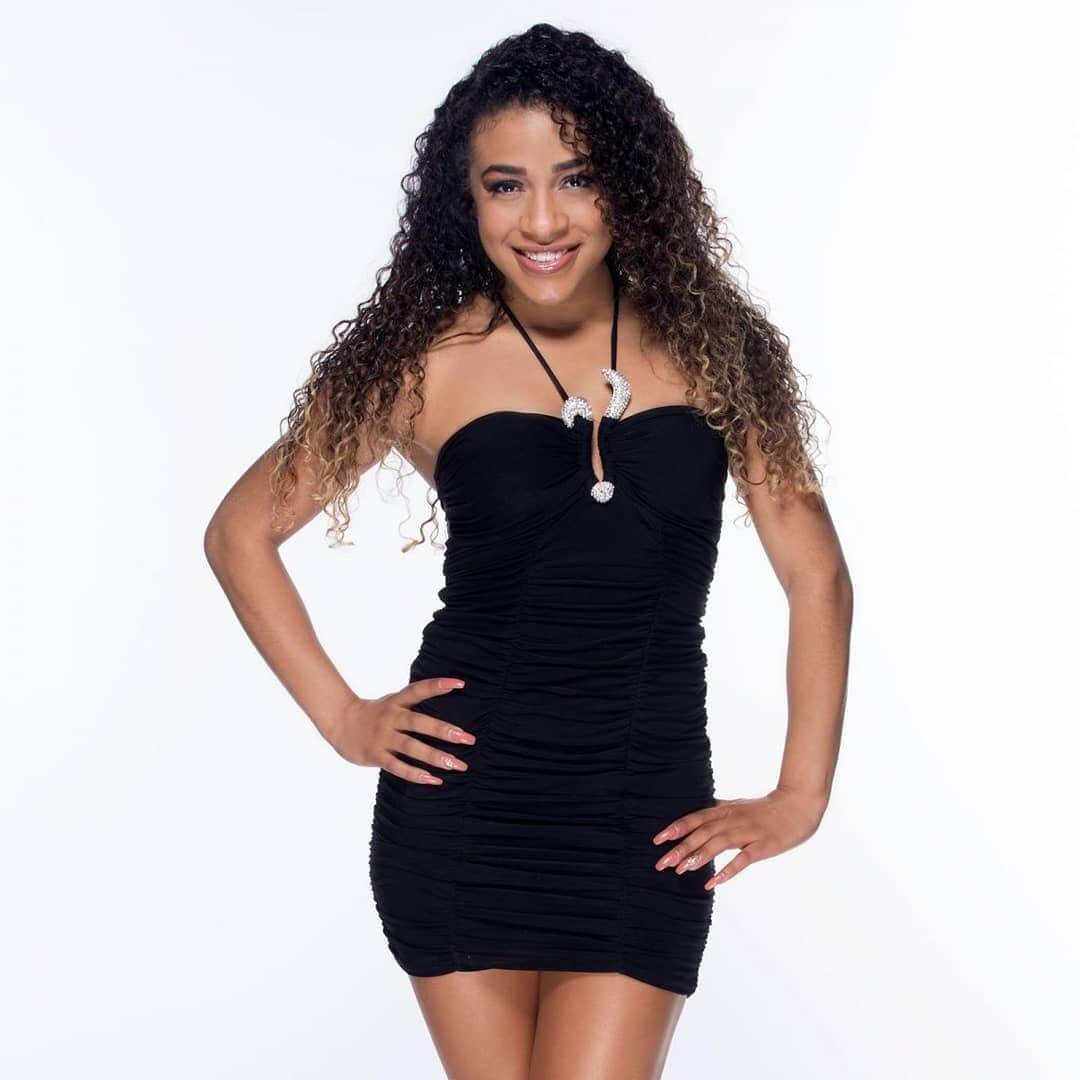JoJo Offerman black hot look