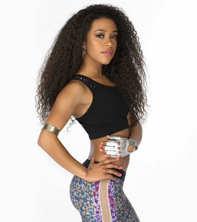 JoJo Offerman hot side look