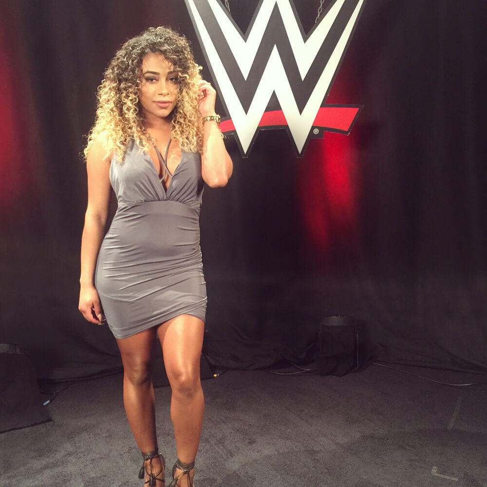 JoJo Offerman sexy cleavage