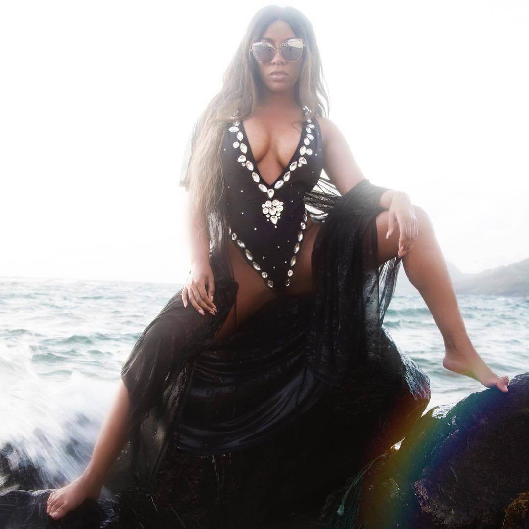 K. Michelle cleavage pic