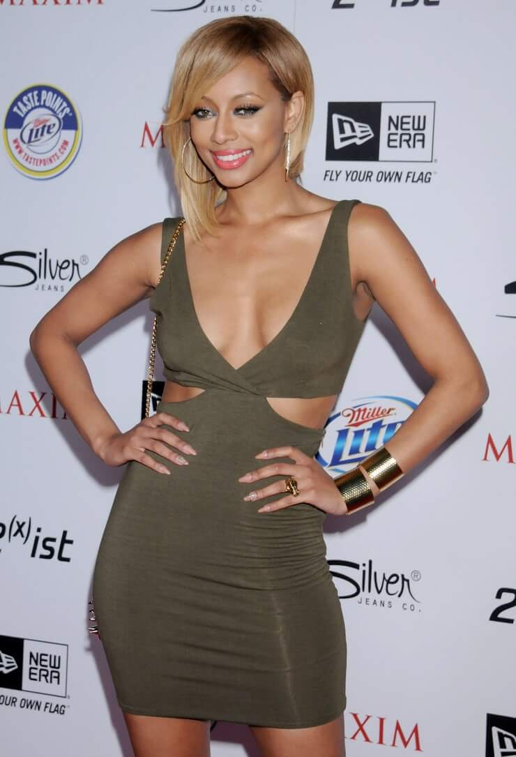 Keri Hilson cleavage photo