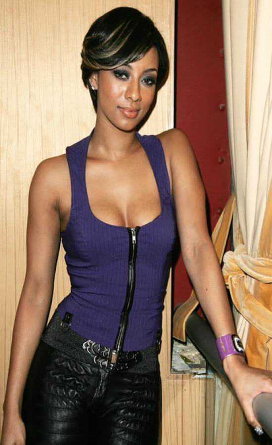 Keri Hilson hot cleavage