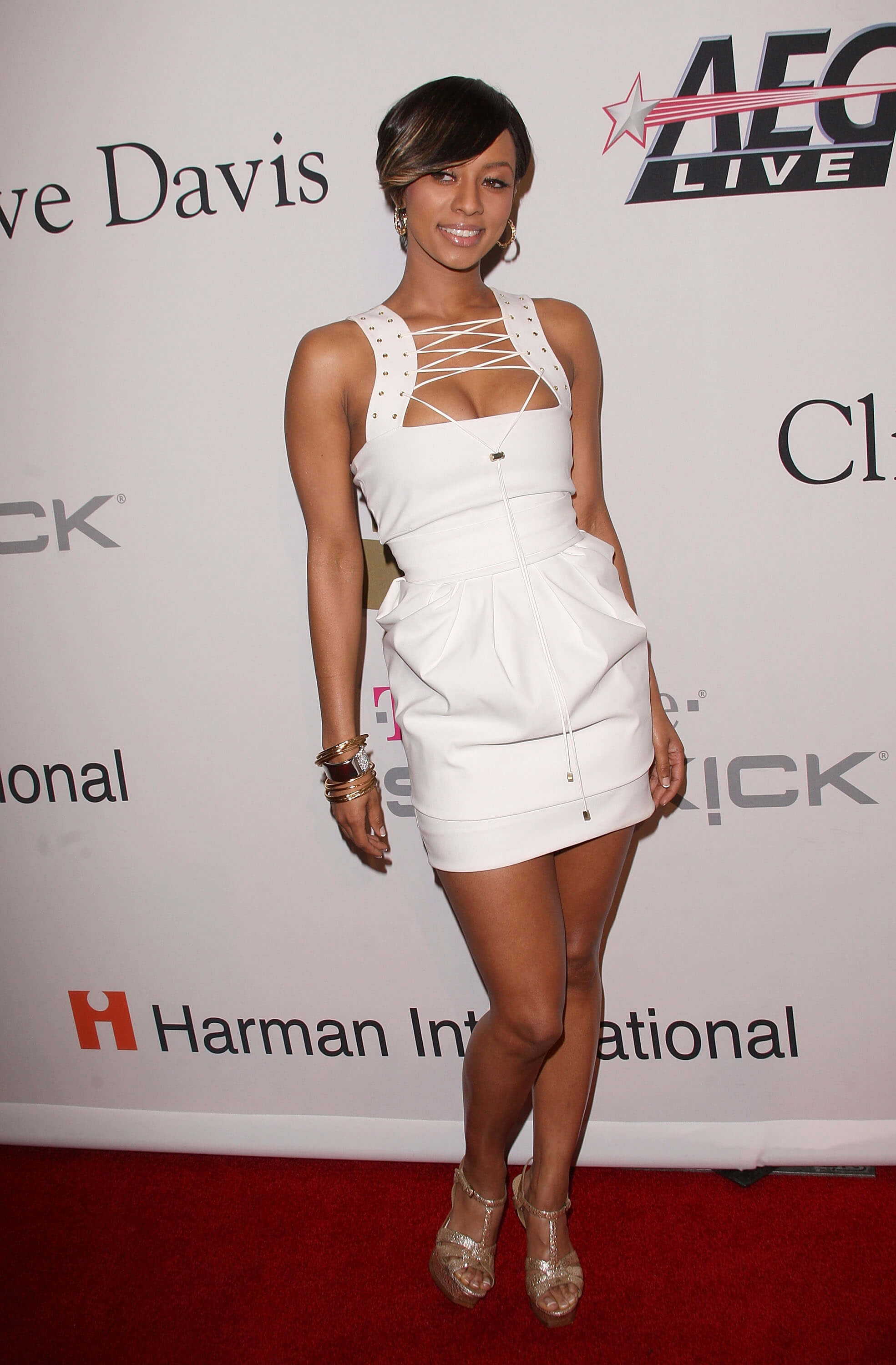 Keri Hilson sexy white dress pic