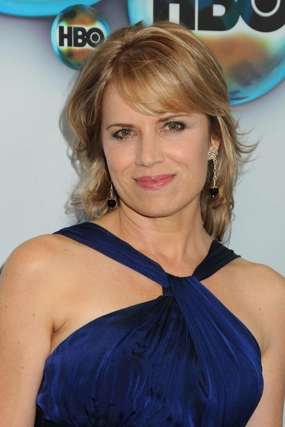 Kim Dickens Beautifull (2)