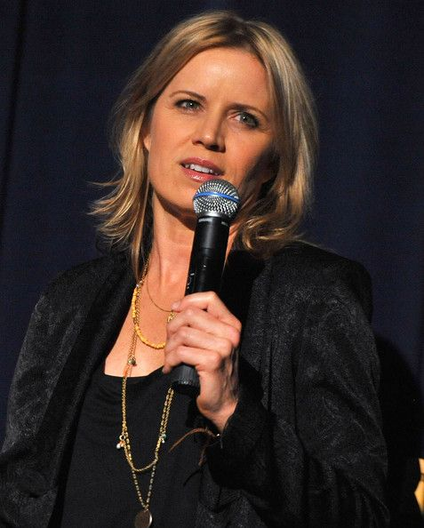 Kim Dickens Singing Song