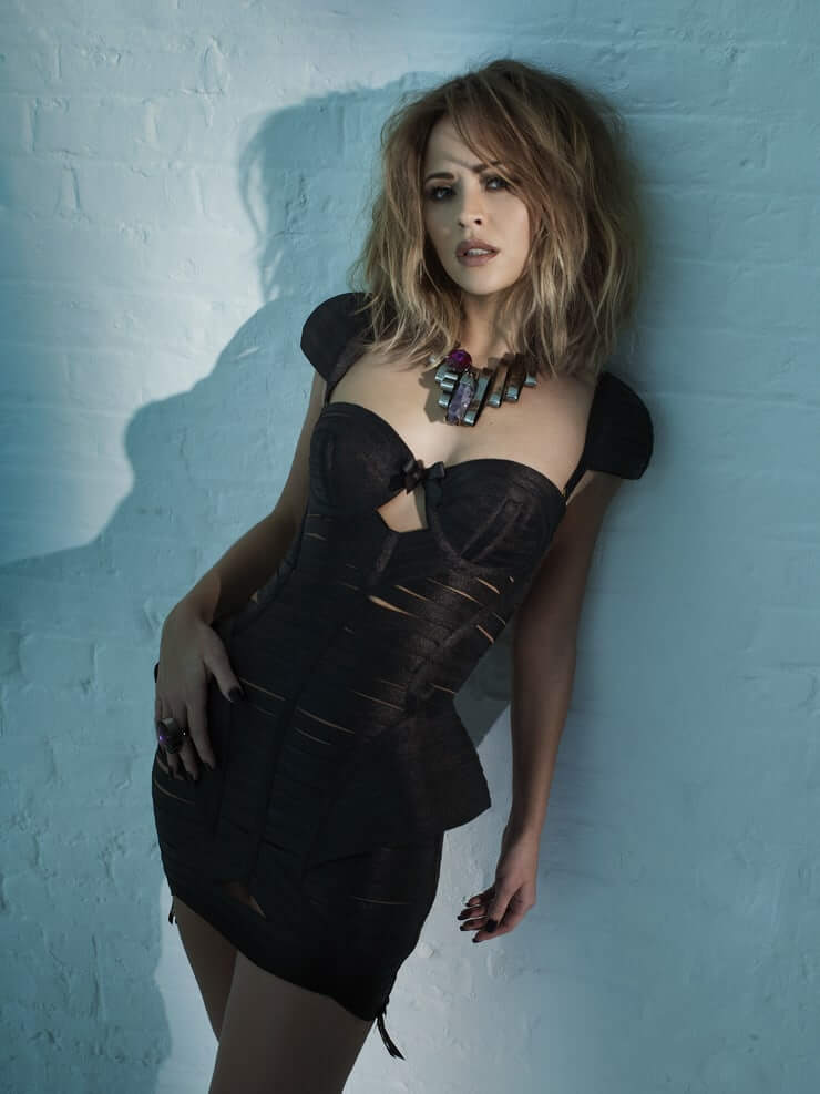 Kimberley Walsh hot black dress pic
