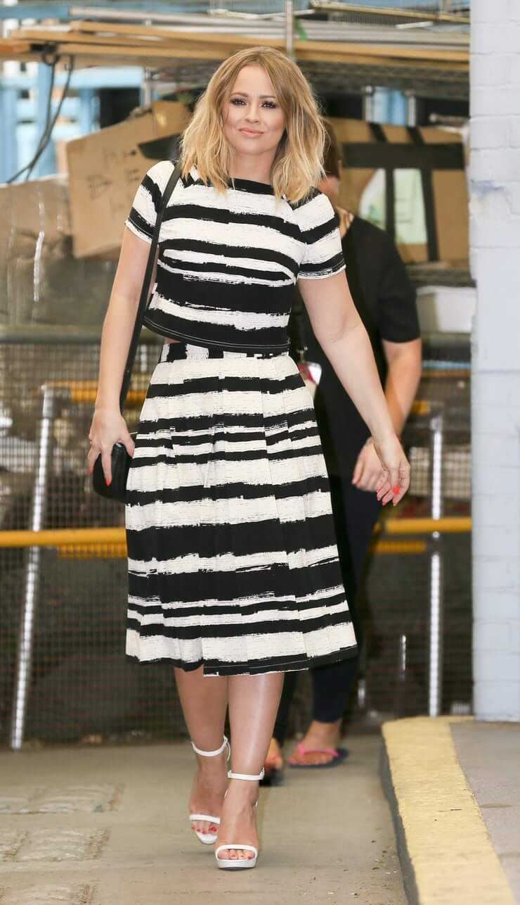 Kimberley Walsh long dress pic