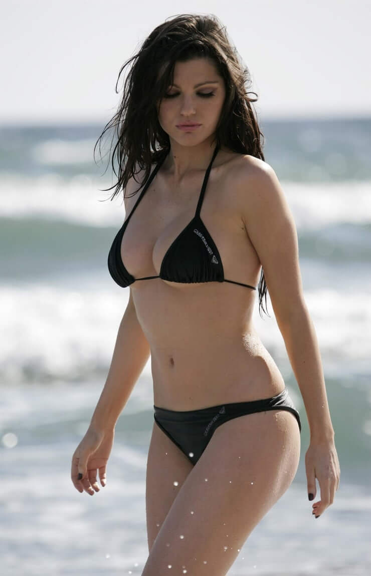 LOUISE CLIFFE hot bikini pic (2)