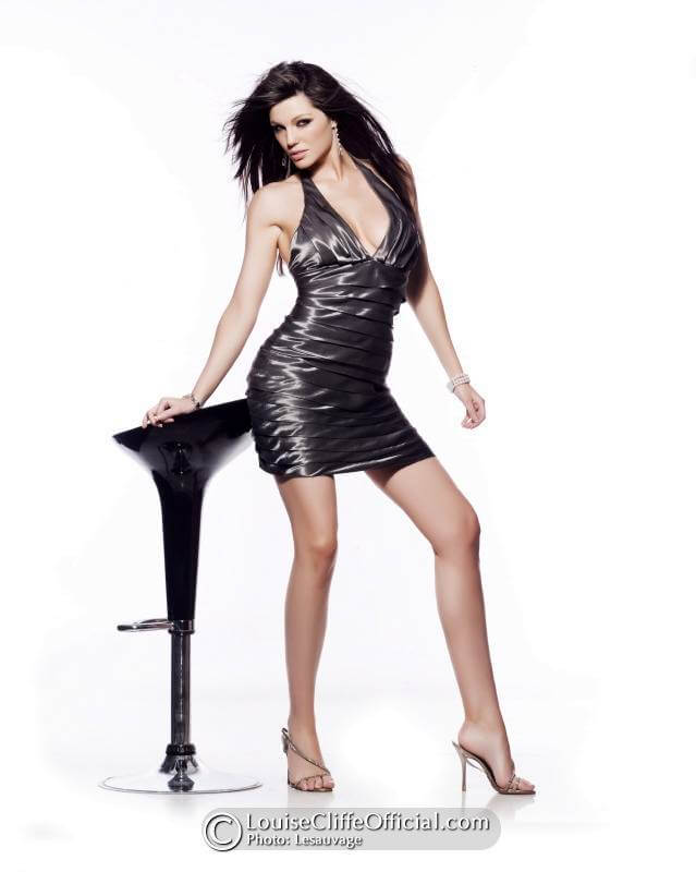 LOUISE CLIFFE sexy legs photo